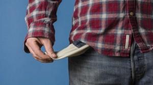 bolso_vazio_economia_pobreza_dinheiro_falta_de_dinheiro